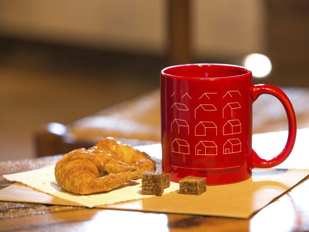 Custom red ceramic mug
