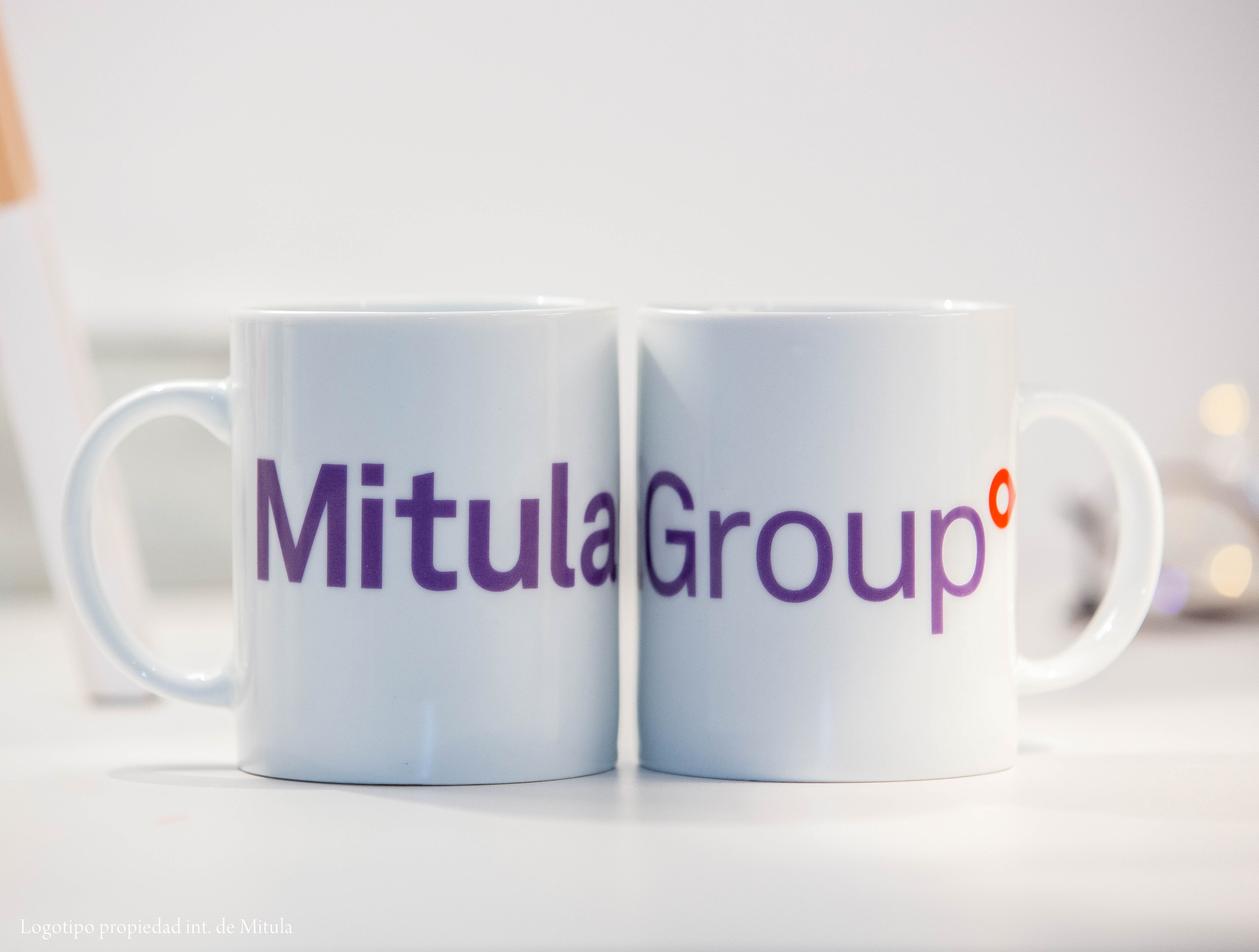 Tazas de porcelana con logo Mitula